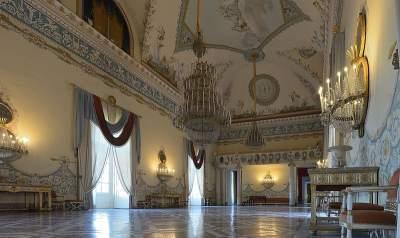 Galleria Nazionale di Capodimonte. Le collezioni pittoriche (Raffaello, Tiziano, Caravaggio)