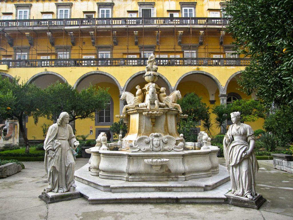 Visit San Gregorio Armeno Cloister