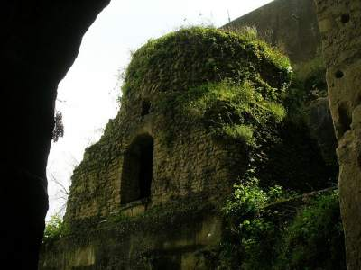 Il Parco Vergiliano e la Crypta Neapolitana a Piedigrotta