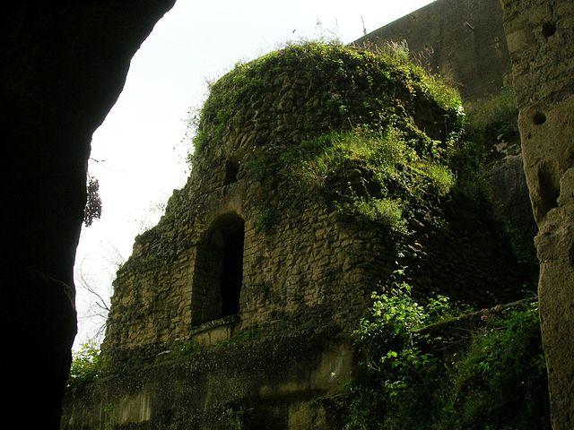 Vergiliano Park and Neapolitana Crypta