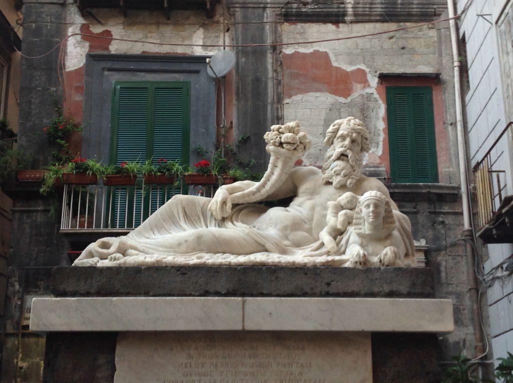 Statua del Nilo al largo Corpo di Napoli